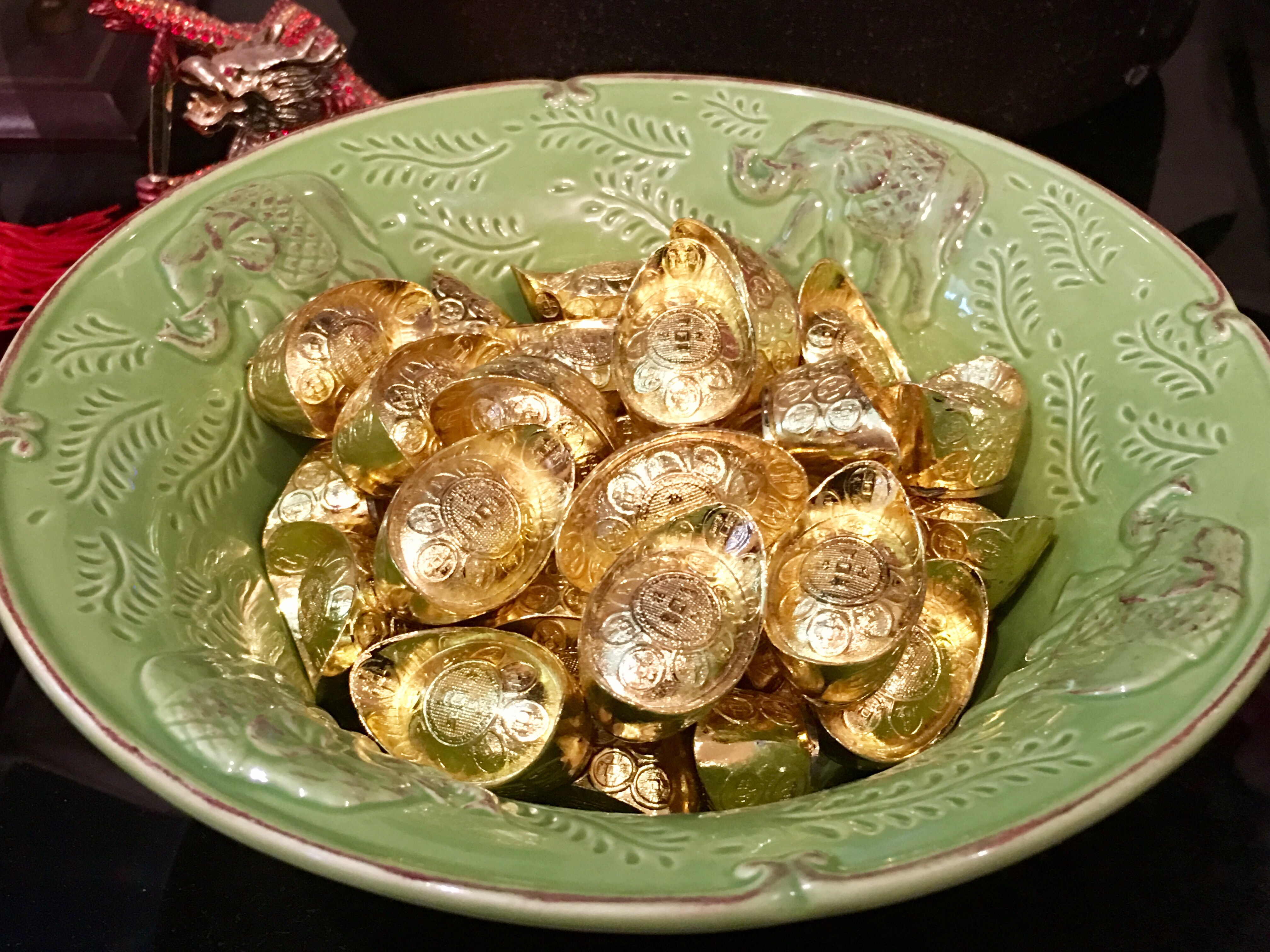 Feng shui tip ingots as wealth enhancers blooming mushroom if you have wealth ships or wealth vases then put ingots in it too as it will help increase your affluence reviewsmspy